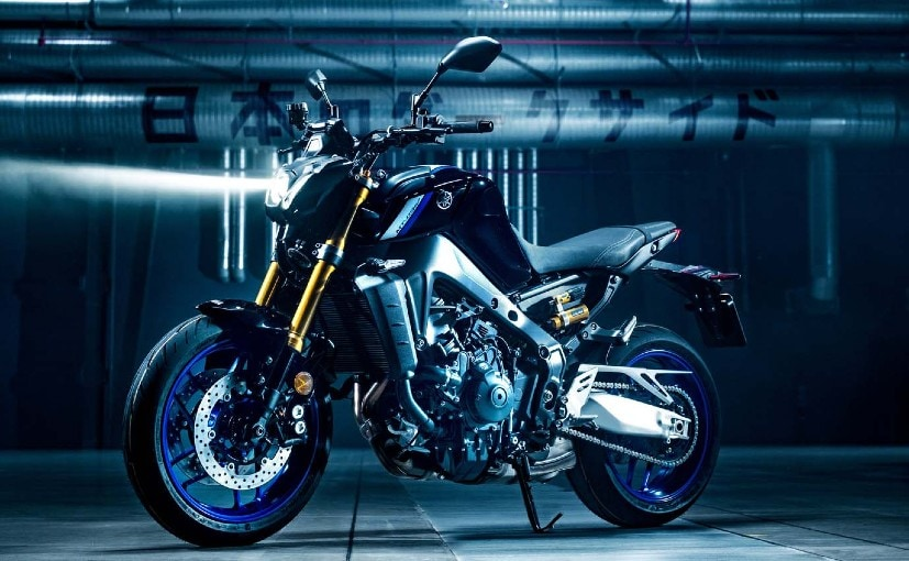 The 2021 Yamaha MT-09 SP features top-spec suspension, cruise control and different styling