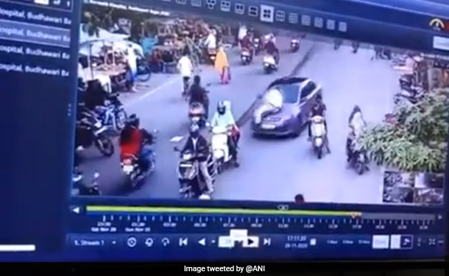 On Camera, Cop Clings To Bonnet As Driver Speeds Through Busy Nagpur Road