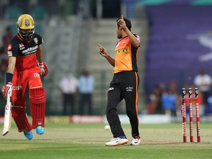 IPL 2020, SRH vs RCB: Moeen Alis Run Out Off A Free-Hit Invites Crazy Reactions From Fans. Watch
