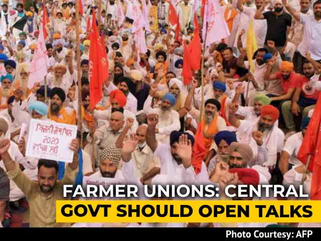 Video : Punjab Farmers Allow Trains To Run From Monday, Talks To Continue