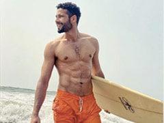 """<I>Koi Poetry Bhi Par Lo Yaar</i>"": Siddhant Chaturvedi's Surfing Pics Distract Instagram"