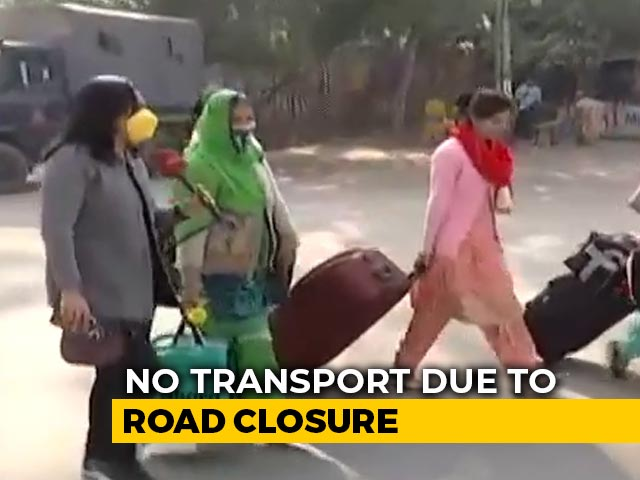 Video : Commuters Face Road Blockade As Farmers' Protest Continues