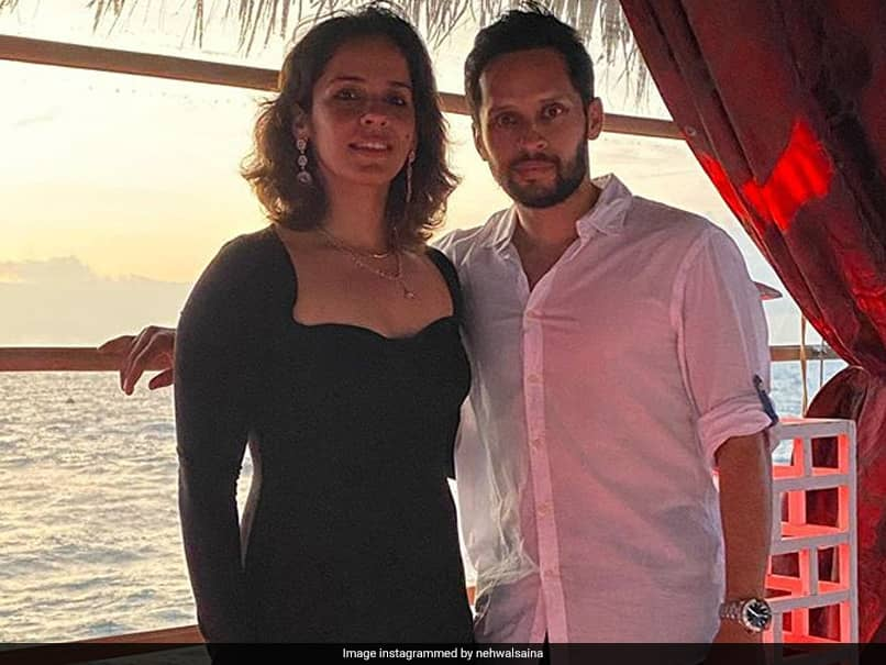 Parupalli Kashyap Serenades Saina Nehwal With Shah Rukh Khan Song. Watch
