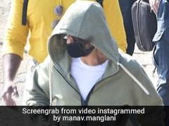 Shah Rukh Khan शूटिंग से ब्रेक लेकर यूं बोट राइड पर निकले, वायरल हुआ Video