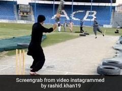 राशिद खान ने चप्पल पहनकर मारा MS Dhoni स्टाइल में छक्का, बार-बार देखा जा रहा है Video