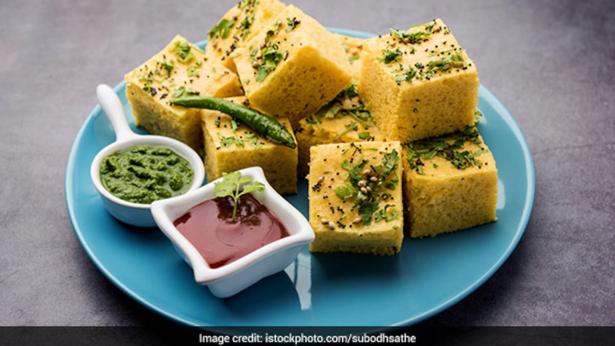Watch: Instant Sooji Dhokla Recipe In Under 30 Mins - Perfect For Sudden Hunger Pangs