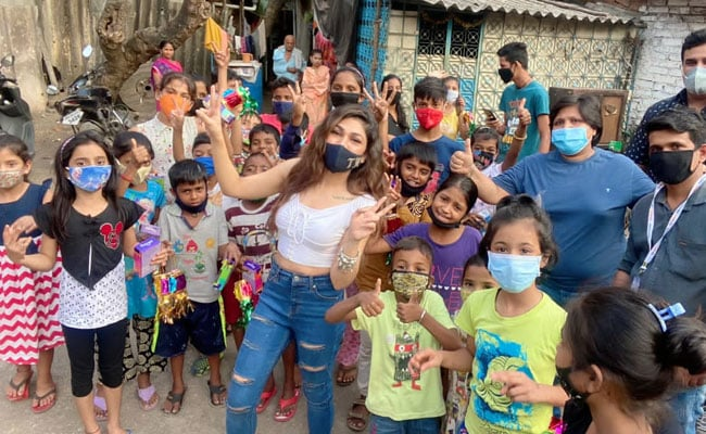 Tulsi Kumar's Special Gesture For Kids This Diwali: 'Spreading Smiles Is The Best Gift We Could Give'