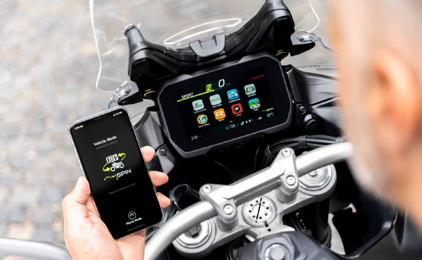 The Bosch mySPIN app will be integrated with the new split TFT display