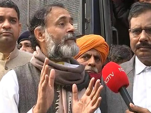 Video : No Covid Rules In Bihar Election, But They Apply To Farmers: Yogendra Yadav