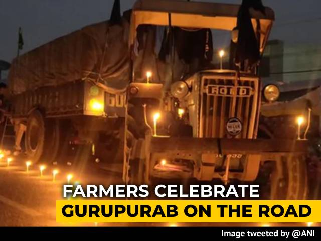 Video : Farmers Celebrate Guru Nanak Jayanti At Protest Site, Candles Lit