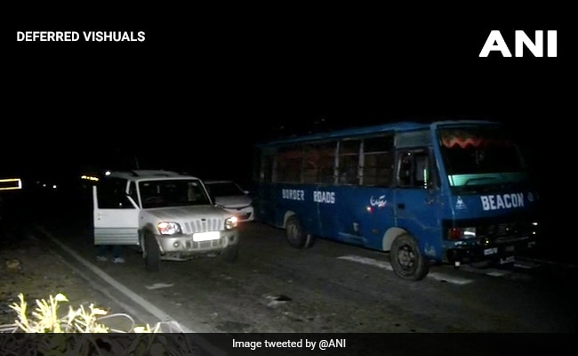 Encounter Between Terrorists And Security Forces On Jammu-Srinagar Highway - NDTV