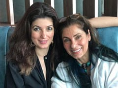 "Twinkle Khanna Loves All Of Dimple Kapadia's Performances. Even The One Where She ""Acts Like She Can Cook"""