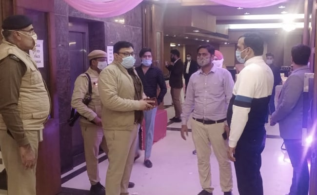 Photo of Gurgaon Cops To Attend Weddings, Check Guests Without Masks, Issue Fine