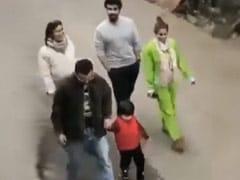 "Viral: Taimur Yells ""No Photo"" While Strolling With Kareena Kapoor-Saif Ali Khan And Malaika Arora-Arjun Kapoor In Dharamshala"