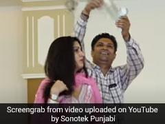 Sapna Choudhary ने स्टेज पर किया धमाकेदार डांस, लोग उड़ाने लगे नोट- देखें वायरल Video