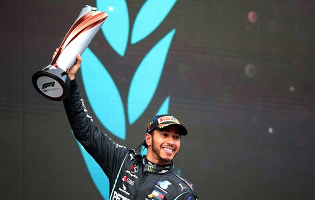 F1: Lewis Hamilton Set To Be Knighted By Queen Elizabeth II