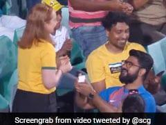 Ind Vs Aus: भारतीय ने ऑस्ट्रेलियाई लड़की को किया प्रपोज, लोग बोले- 'भारत की ऐतिहासिक जीत' - देखें Video