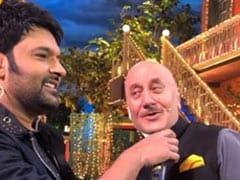 कपिल शर्मा के शो में पहुंचे अनुपम खेर, कॉमेडियन संग मिलकर गाया रोमांटिक सॉन्ग- देखें Video