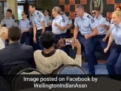 न्यूजीलैंड के पुलिसवालों ने बॉलीवुड गानों पर किया जबरदस्त डांस, 'कर गई चुल' पर मचा दिया तहलका - देखें Video