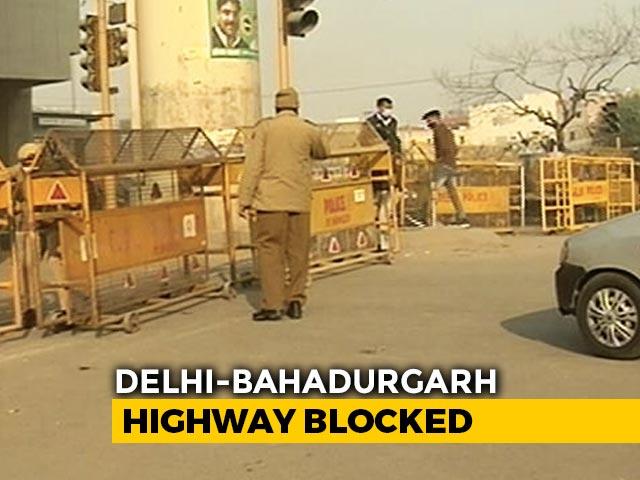 Video : Amid Farmers' Protests, Delhi-Haryana Border Blocked For 4th Straight Day