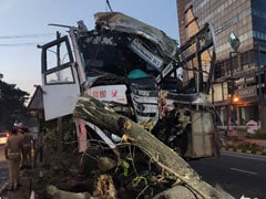 Driver Dead, Over 20 Passengers Injured As Bus Rams Tree In Kochi