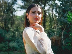 "Fatima Sana Shaikh, Who Stars In 90s-Set Comedy <I>Suraj Pe Mangal Bhari</I>, Says ""There Was No Social Media Bullying"""