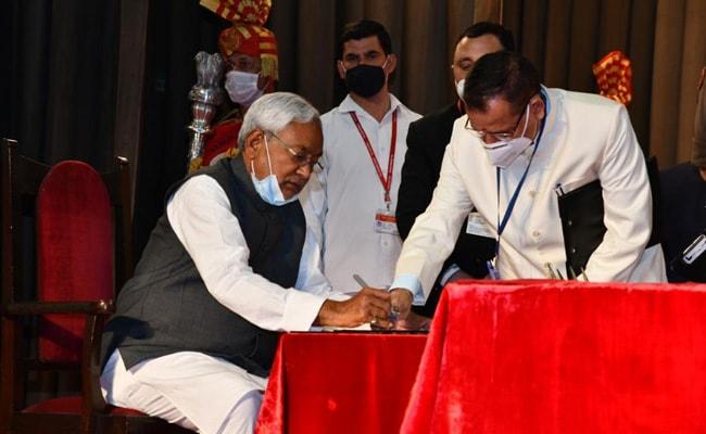 """सुशील मोदी पर नीतीश कुमार ने कहा- उनकी कमी खलेगी, लेकिन """"फैसला बीजेपी का"""""""