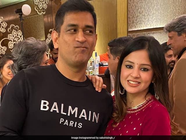 Watch: Dhonis Impromptu Dance With Sakshi, Ziva