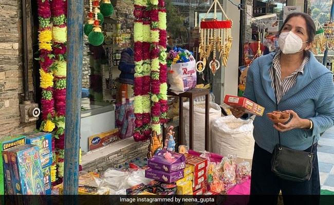 A Scene From Neena Gupta's Diwali Shopping In Mukteshwar
