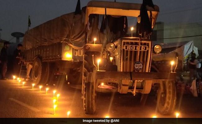Pics: Farmers Celebrate Guru Nanak Jayanti At Protest Site, Candles Lit