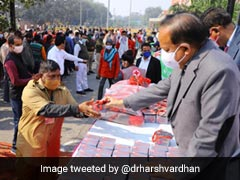 Health Minister Distributes Masks, Soaps At Old Delhi Railway Station