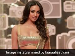 Kiara Advani Glistens Like Gold In A Shimmery Sequin Party <i>Saree</i>