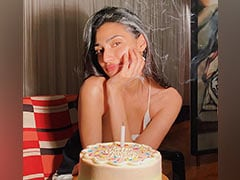Athiya Shetty's Pastel-Hued Birthday Cake Is All We Want To Eat Today!
