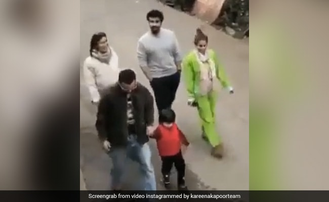 Viral: Taimur Yells 'No Photo' While Strolling With Kareena Kapoor-Saif Ali Khan And Malaika Arora-Arjun Kapoor In Dharamshala