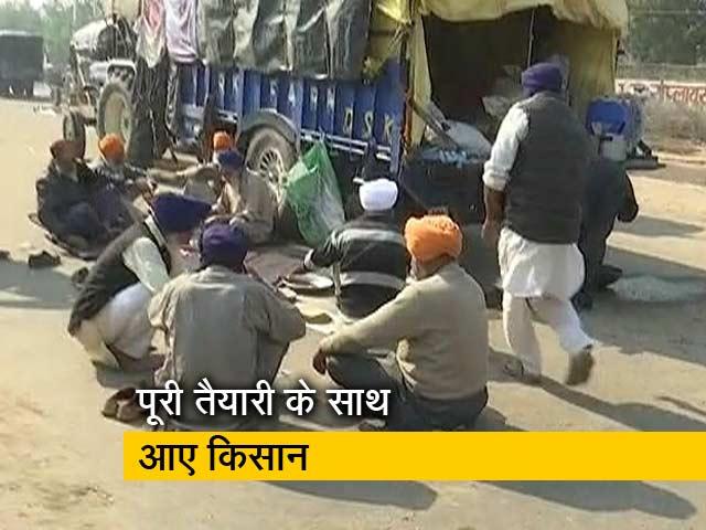 Video : जीटी करनाल रोड पर जुटे प्रदर्शनकारी किसान, महीनों की राशन सामग्री भी है साथ में