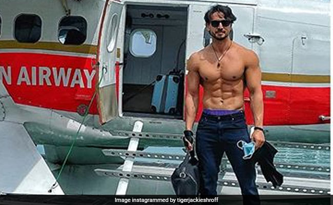 "Tiger Shroff's Shirtless Pic Is ""Gown Code"" For Subsequent Few Days. Can You Guess The place He Is?"
