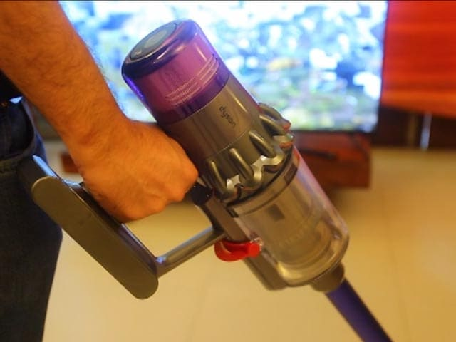 Video : The Most Premium Vacuum Cleaner: Dyson V11 Absolute Pro