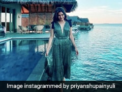 In A Sea Green Dress, Samantha Ruth Prabhu Proves That Dresses Are Beach Essentials