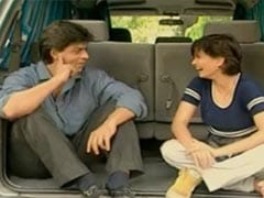 "Maria Goretti Was So ""Nervous"" About Interviewing Shah Rukh Khan That She Forgot Her Shoe"