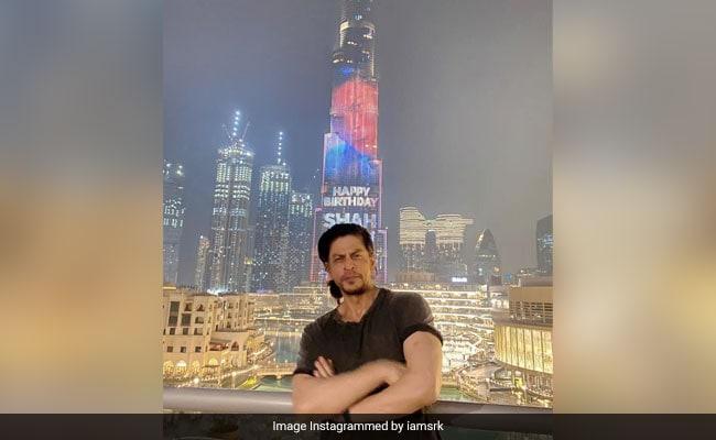 शाहरुख खान के रंग में रंगा दुबई का बुर्ज खलीफा तो खुशी से झूम उठे किंग खान, खूब Viral हो रहा है Video