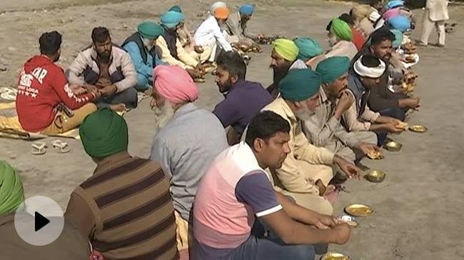 Lungar For Farmers who are protesting against farm laws Delhi – प्रदर्शनकारी किसानों के लिए लंगर का इंतजाम वीडियो – हिन्दी न्यूज़ वीडियो एनडीटीवी ख़बर