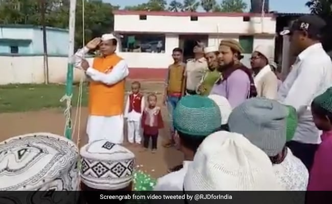 Bihar Minister 'Doesn't Know National Anthem': Opposition Shares Video