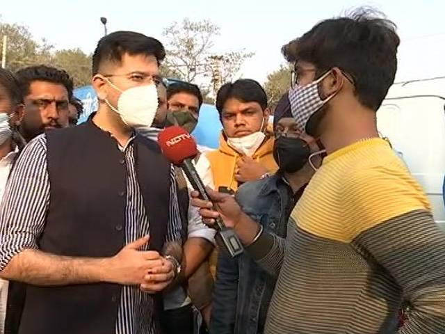"Video : ""If Standing By Farmers Is 'Doing Politics', We Are Guilty,"" Says AAP"
