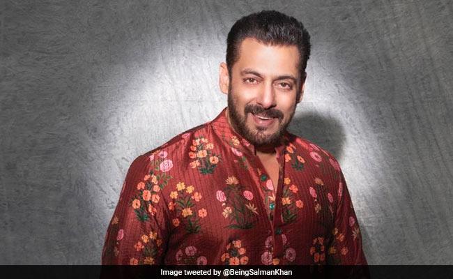 """Diwali 2020 – Amitabh Bachchan, Salman Khan, Aamir, Abhishek, Kareena Kapoor And Others Tweet: """"Stay Safe"""""""