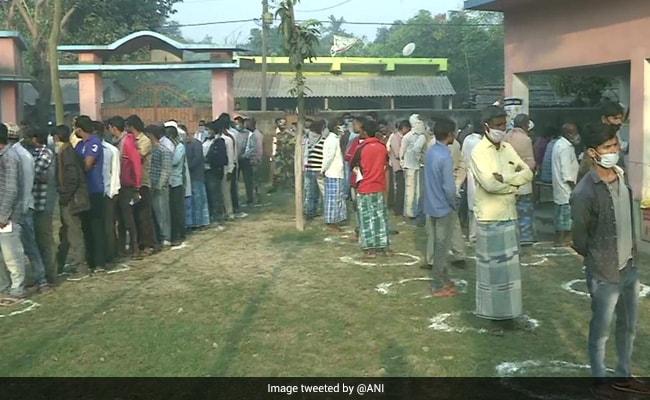 बिहार चुनाव 2020: अंतिम चरण की 78 सीटों के लिए वोटिंग शुरू, नीतीश के 12 मंत्रियों की किस्मत दांव पर; 10 बड़ी बातें