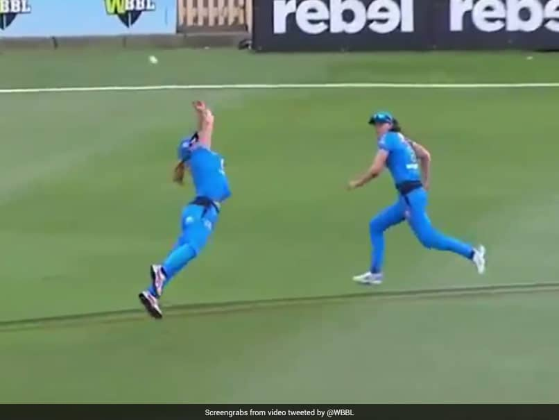 """""""Youve Gotta Be Kidding"""": Watch This Incredible Catch In Womens Big Bash League"""