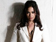 """Sameera Reddy Shares 2010 Photoshoot Pic In Which She Was """"Slimmed Down"""""""