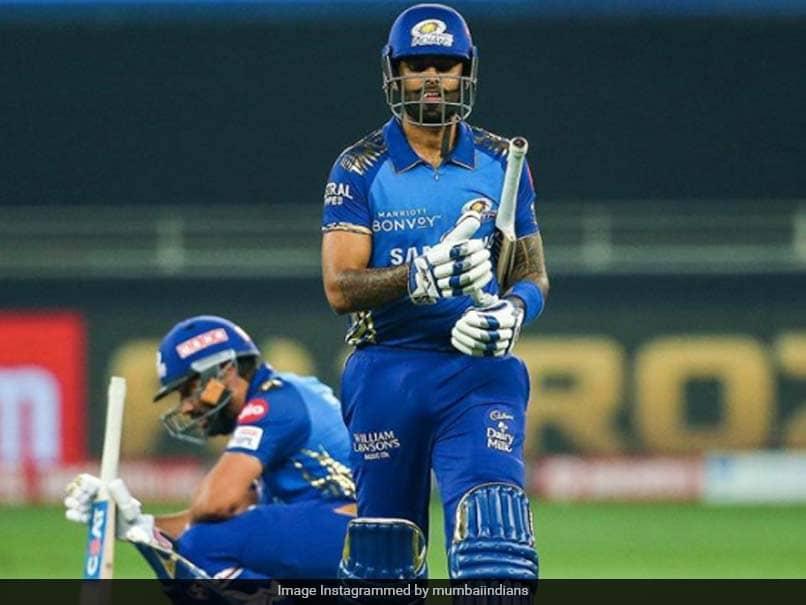 IPL 2020 Final: Suryakumar Yadav Sacrifices His Wicket For Rohit Sharma, Fans Hail MI Batsmans Selfless Act. Watch