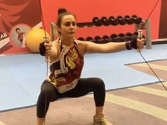 """For Tuesday Motivation, """"Squat It Out"""" Like Preity Zinta In This Video"""