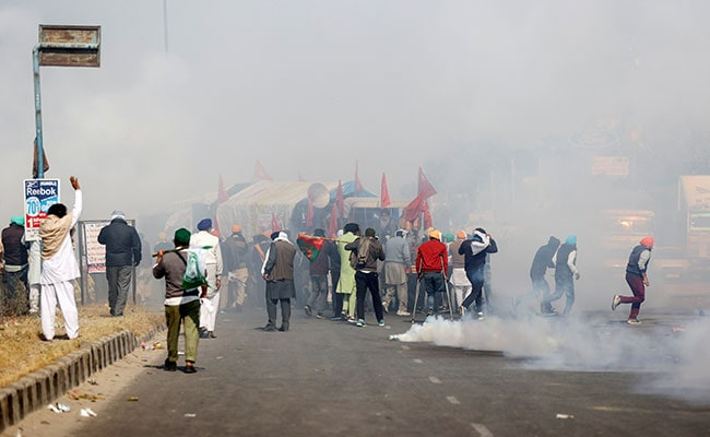 ''Delhi Chalo'': Smoke At Large Part Of Haryana-Delhi Border